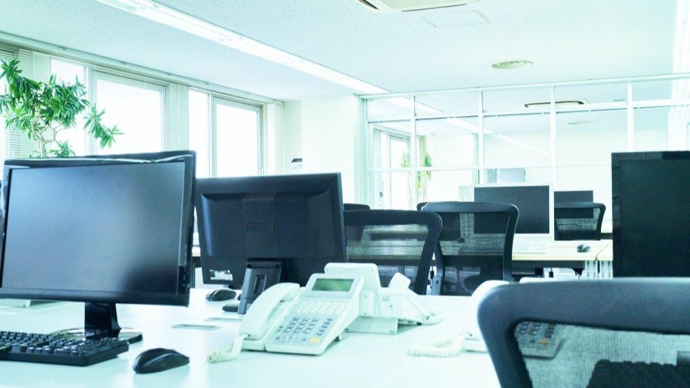 プロによる日常清掃で職場環境を一段とキレイに